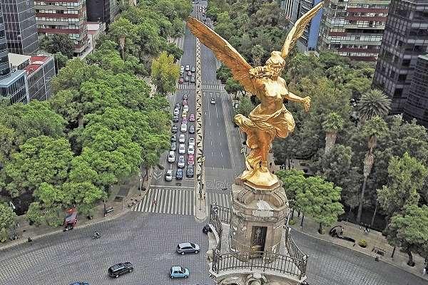 El monumento tiene piezas de cantería que sólo expertos pueden remozar. Foto:  VÍCTOR GAHBLER
