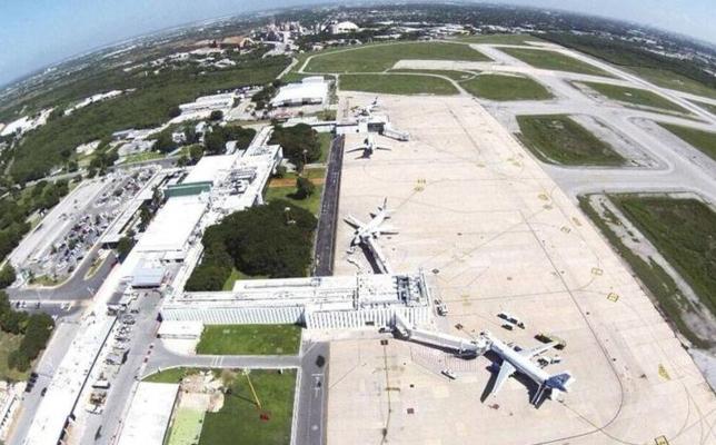 ASUR tiene la concesión del aeropuerto hasta por 30 años más, con la posibilidad de renovarlo otros 50. Foto Especial