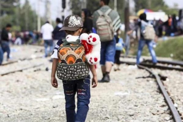 Los pequeños fueron detectados tras el paso de la segunda gran caravana migrante. Foto Especial