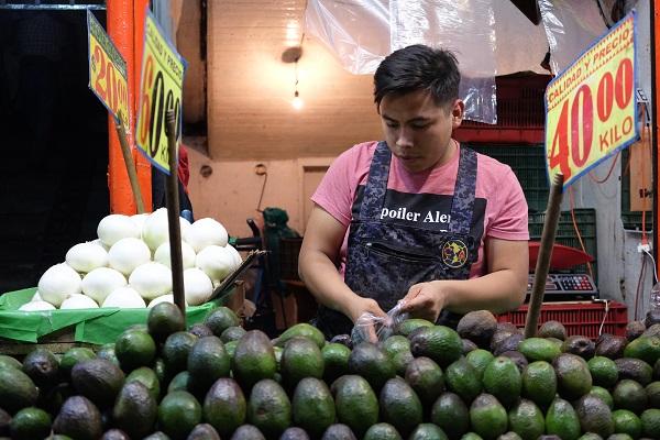 La cebolla tuvo un alza en su precio de 79 por ciento, mientras que el aguacate lo hizo en 45 por ciento, y el chile en 31 por ciento. Foto: Cuartoscuro