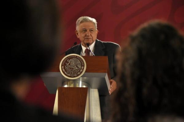 Andrés Manuel López Obrador dijo no se descarta analizar estas propuestas a través de discusiones nacionales. Foto: Especial