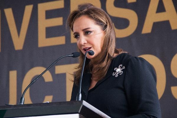 Claudia Ruiz Massiue