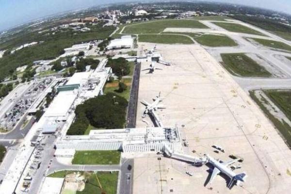 Rogelio Jiménez Pons habló de la posibilidad de que el nuevo aeropuerto se construya al sur de la capital yucateca. Foto: Especial