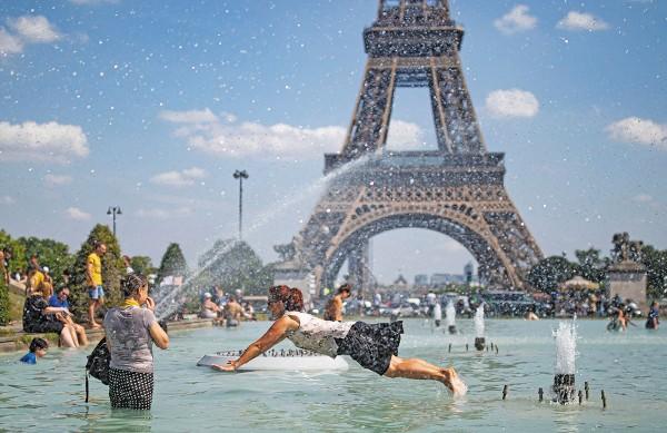CLIMA. Las temperaturas ascendieron a 44 grados centígrados en el sur de Francia. Foto:  EFE