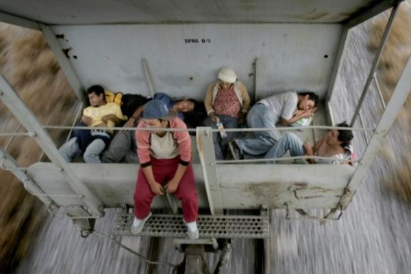 El número de inmigrantes detenidos en la frontera con México podría ser de unos 108,200 este mes. Foto Especial
