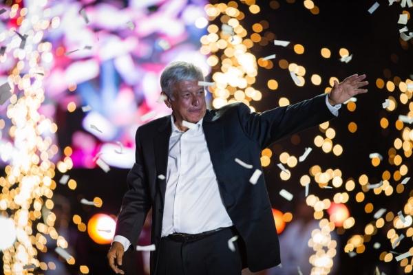 A un año de su victoria en las urnas, el presidente Andrés Manuel cuenta con números positivos. Foto: AFP
