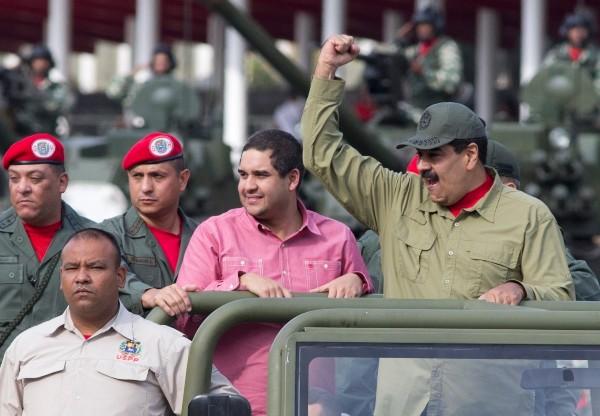 HIJO. Nicolasito Maduro es acusado de impedir la entrada de ayuda humanitaria. FOTO: AP
