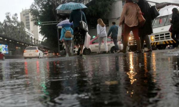 La tormenta tropical Alvin continúa alejándose de la República Mexicana. Foto Especial