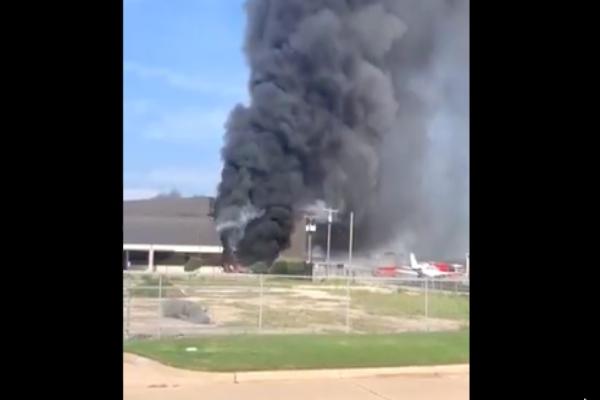 Se estrella avioneta en Texas, hay 10 muertos.