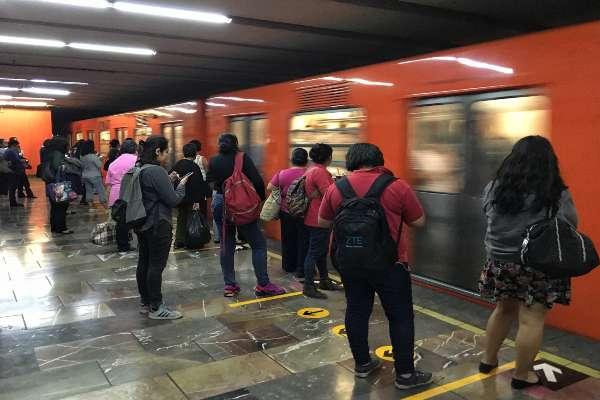 El Metro pidió a los usuarios tomar precauciones. Foto: Archivo   Cuartoscuro