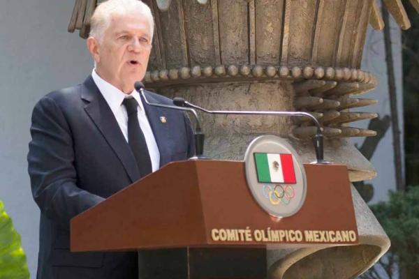 D'Alessio tiene el derecho de emitir su opinión sobre el ejercer de la FMN, según considera Padilla. Foto Especial