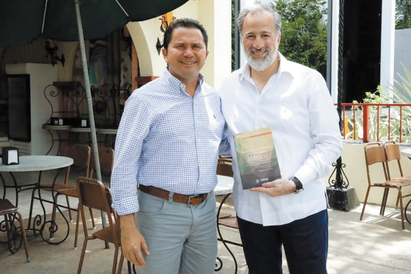 Mauricio Sahuí se reunió en mayo con Meade en una sorbetería. Foto: Especial