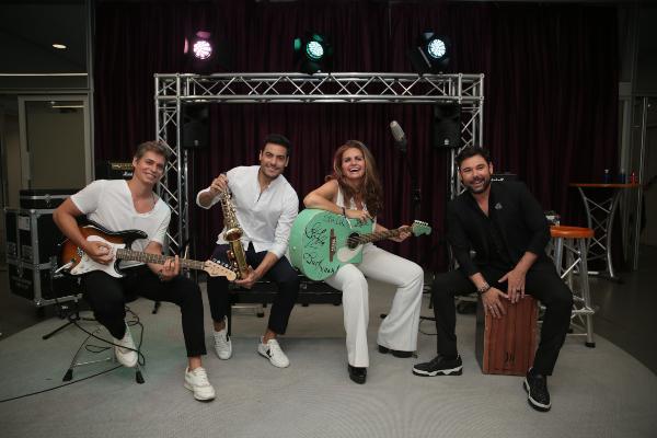 LISTOS. Carlos Baute, Carlos Rivera, Sandra García-Sanjuán y Miguel Poveda. Foto: Esmeralda Álvarez