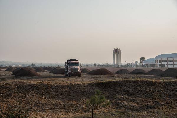 reanudarán trabajos de construcción de aeropuerto de Santa Lucía