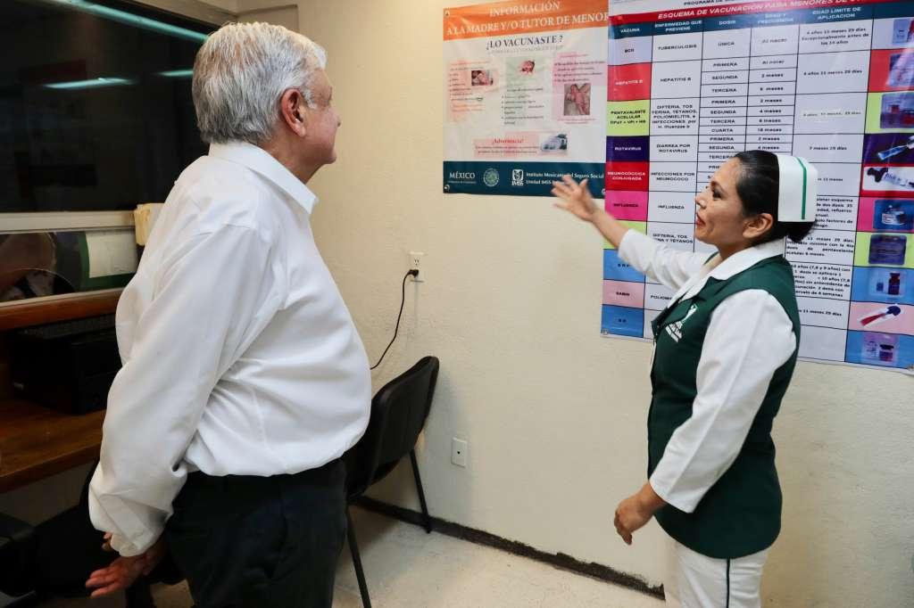 El mandatario dijo que se apoyará a las 140 escuelas de medicina en el país para que tengan más presupuesto, porque eso generará