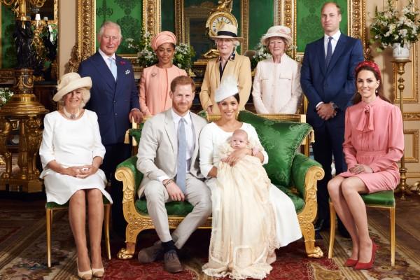 Príncipe Enrique y Meghan Markle celebran el bautizo de Archie