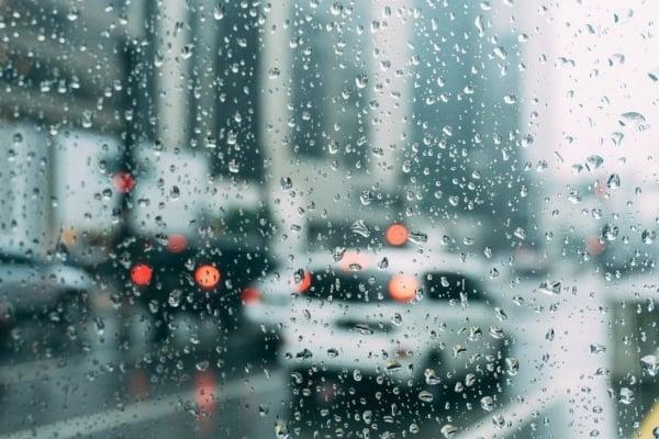 Se detectan lluvias de ligeras a moderadas con intensidad de 15 a 28 mm en distintos puntos de la ciudad. Foto Especial