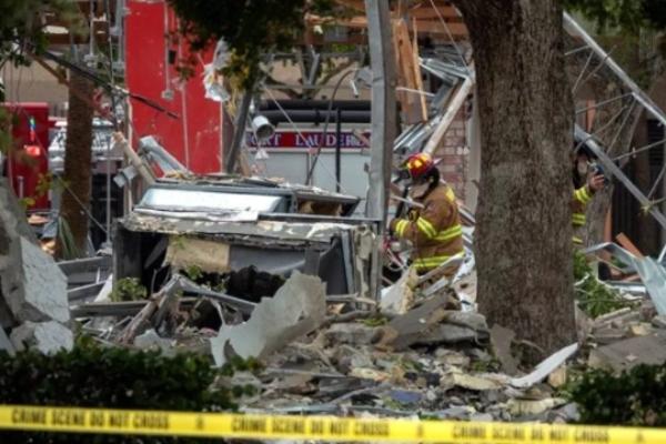 La explosión ocurrió cerca del gimnasio LA Fitness, ubicado dentro del centro comercial. Foto EFE