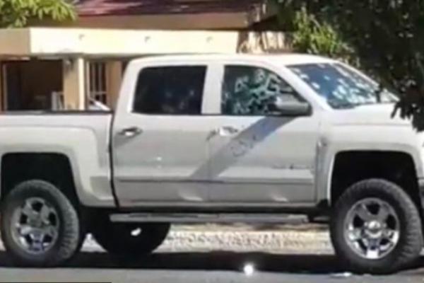 Ambas víctimas iban en un vehículo, cuando un grupo armado, dividido en dos camionetas, los atacó con armas de fuego.  Foto @expresionsonor1
