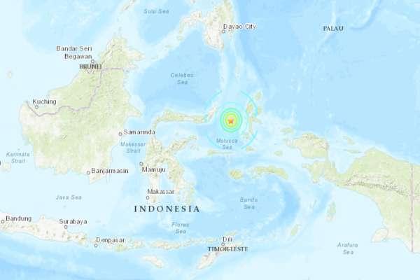 La agencia geofísica indonesia emitió una alerta de tsunami para las áreas costeras cercanas. Foto: USGS