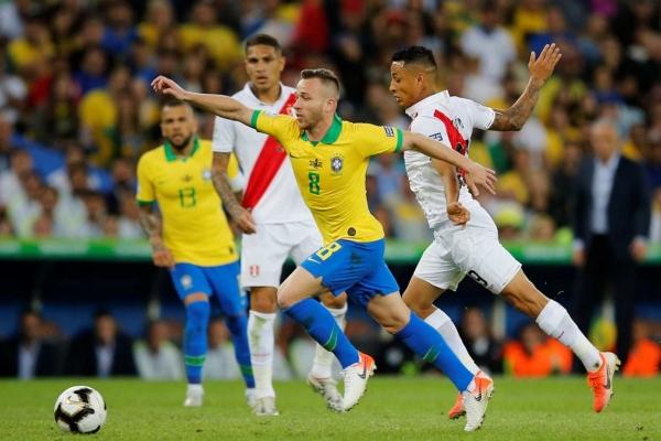 Ambas escuadras se enfrentaron en la jornada 3 de la la fase de grupos, en donde el equipo anfitrión goleó 5 por 0 a los dirigidos por el argentino. Foto Reuters