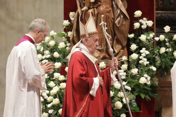 La misa fue celebrada en el Altar de la Cátedra de la Basílica de San Pedro. Foto: Pablo Esparza