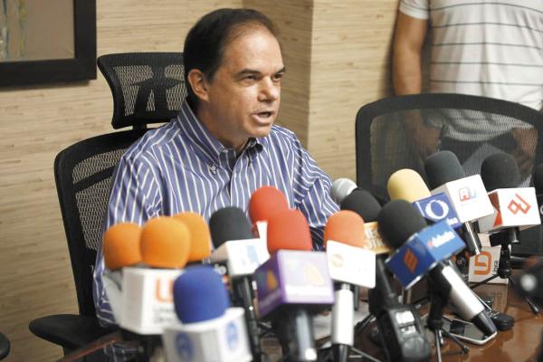 AVANCE. El secretario Carlos Ortega resaltó el crecimiento de la entidad en materia económica. Foto: Especial.