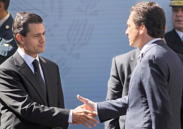 A Emilio Lozoya Austin y al expresidente Enrique Peña Nieto se les ha vinculado por su cercanía política. Foto: Cuartoscuro