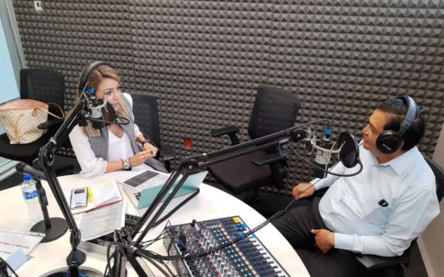 Juán Hugo de la Rosa en entrevista con Blanca Becerril. FOTO: ESPECIAL
