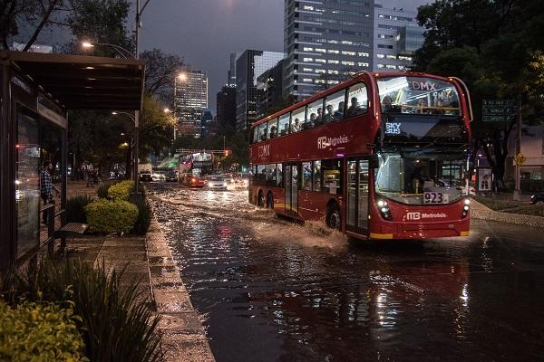 Durante la noche y madrugada se prevén en el noroeste, occidente e interior de México, lluvias fuertes con descargas eléctricas y posible granizo.  Foto: Cuartoscuro