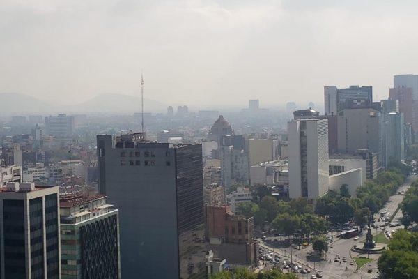 La dependencia recomendó a las personas sensibles a la contaminación, limitar esfuerzos prolongados al aire libre. Foto: Especial