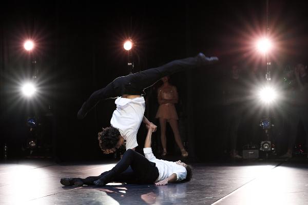 Isaac es el primer bailarín mexicano del English National Ballet, que ha representado en la Ópera de París. Fotos: Alex López, Mathiew Brush y Santiago Barreiro.