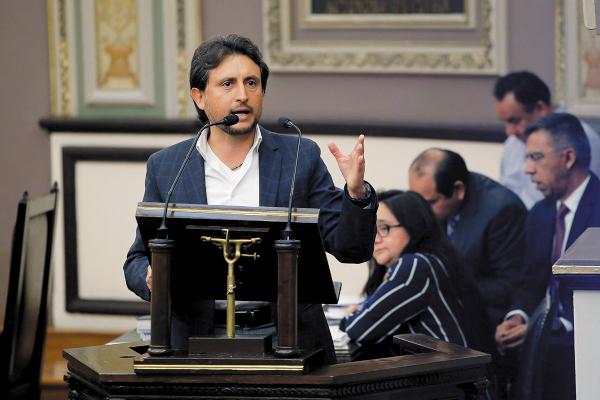 SESIÓN. Al legislador José Juan Espinosa se le inició un proceso de responsabilidades. Foto: ENFOQUE