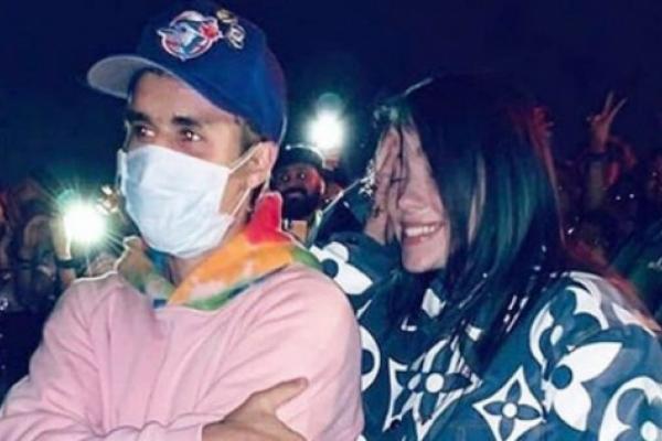 Los cantantes se conocieron en el Coachella. Foto: Especial.