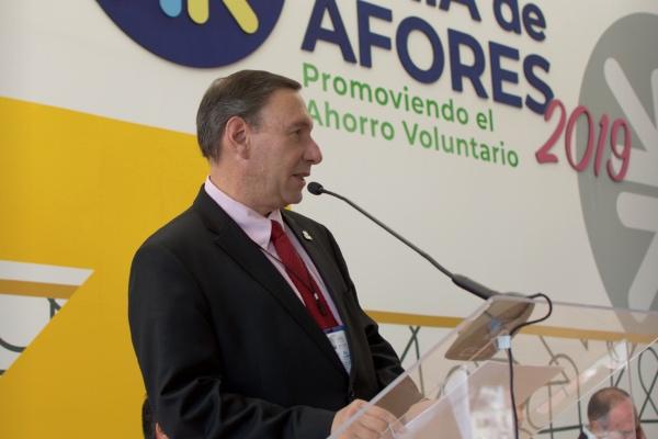 Everardo Vela