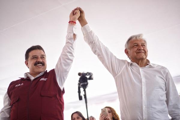 Carlos Lomelí y AMLO renuncia