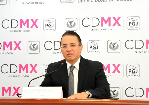 Óscar Montes de Oca en conferencia de prensa
