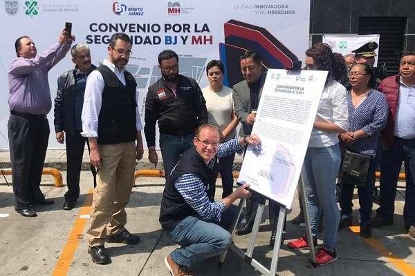Este tipo de acciones en materia de seguridad nos ayudan a avanzar en la demanda más importante de los capitalinos, señaló Jesús Orta. Foto: Especial