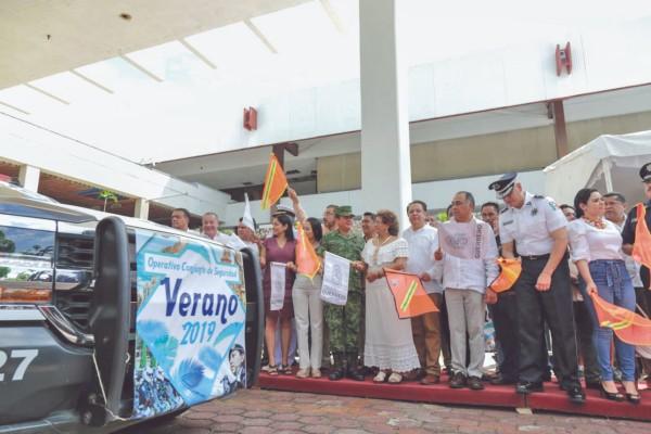 El puerto de Acapulco espera la llegada de 750 mil turistas locales y extranjeros. Foto: Especial