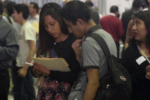 El Programa Jóvenes Construyendo el Futuro, es instrumentado por la Secretaría del Trabajo y Previsión Social