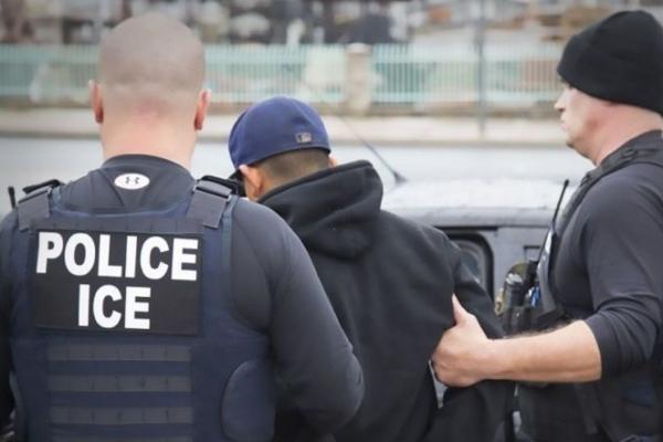 Los mexicanos detenidos contaban con órdenes de arresto. Foto Ilustrativa