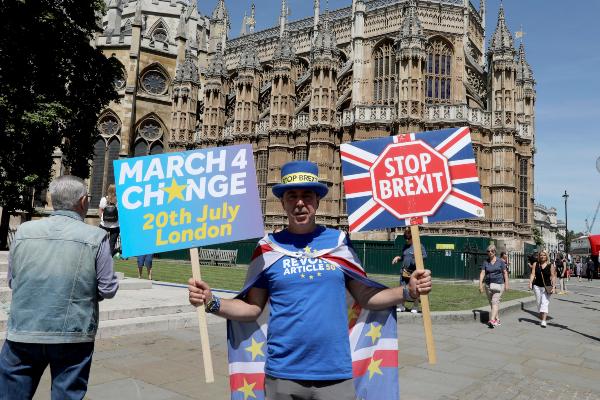 DISCUSIÓN. La salida británica de la Unión Europea se ha postergado dos veces.Foto AP