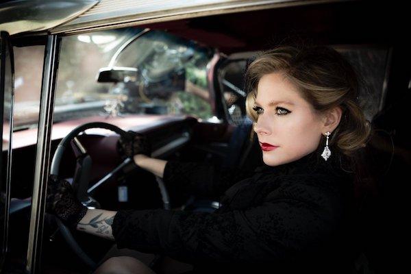 Avril-Lavigne-video-I-fell-in-love-with-the-devil