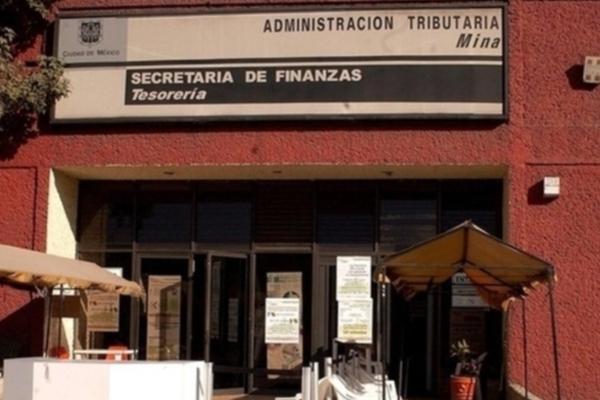 La Procuraduría General de Justicia capitalina (PGJCDMX) reportó además la aprehensión de dos ex funcionarios más por el mismo delito. Foto Especial