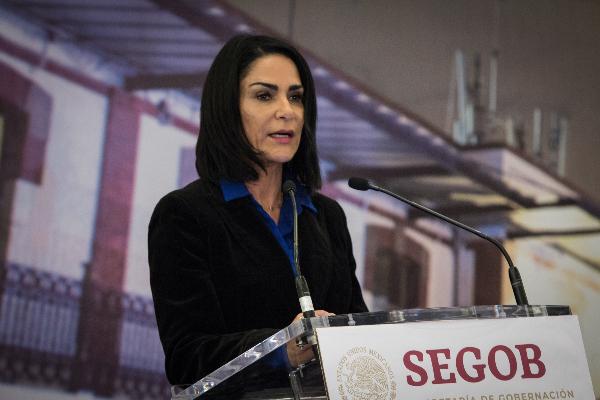Lydia Cacho en conferencia de prensa