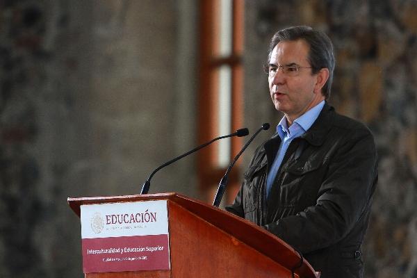 El titular de la Secretaría de Educación Pública (SEP), Esteban Moctezuma, anunció la creación del programa de mejoramiento estructural