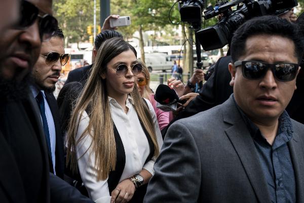 Emma Coronel llega a corte