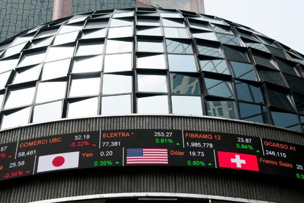 Bolsa mexicana de valores con indicadores