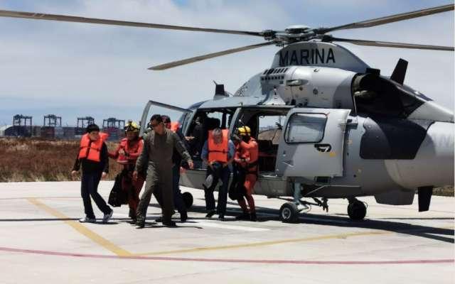 Las personas rescatadas fueron trasladadas al muelle de la Segunda Región Naval para ser atendidas por personal de sanidad naval. Foto: Especial