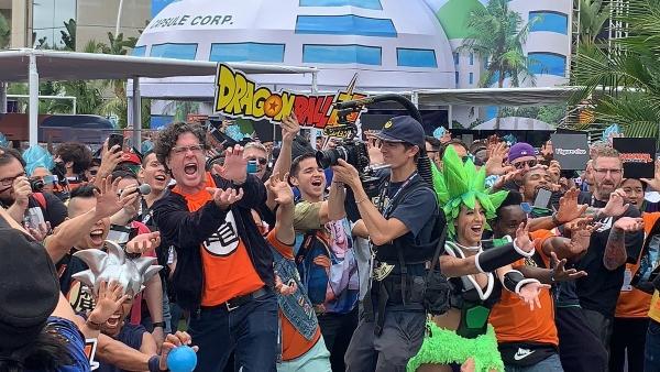 786 fanáticos se reunieron para romper el récord del mayor número de personas realizando el Kamehameha al mismo tiempo, en el Dragon Ball World Adventure 2019 Foto: @dragonballsuper